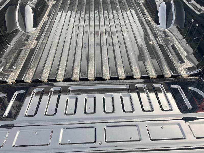 TAKEOFF CHEVY DUALLY TRUCK BED