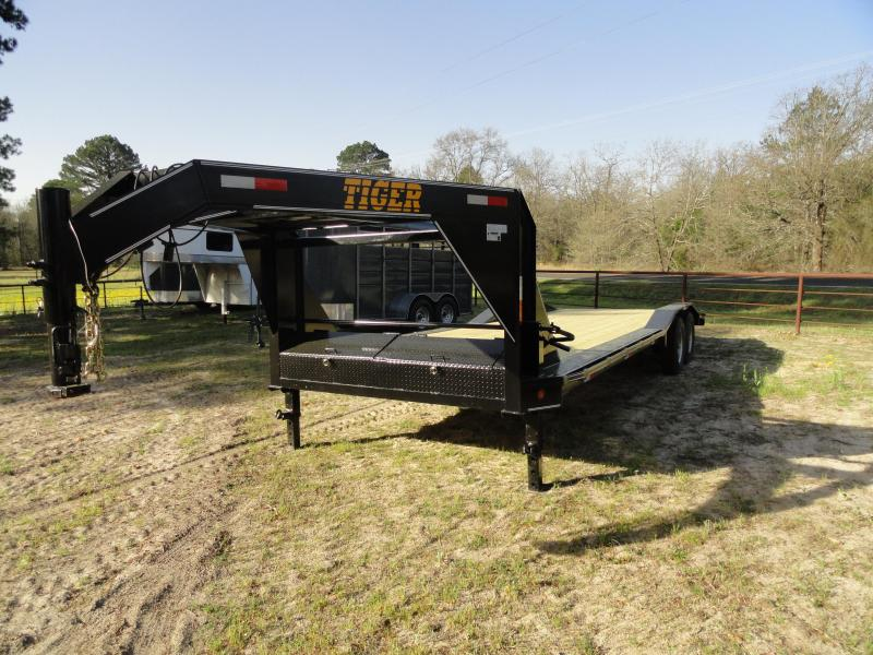2021 Tiger 26 Drive over fender Equipment Trailer