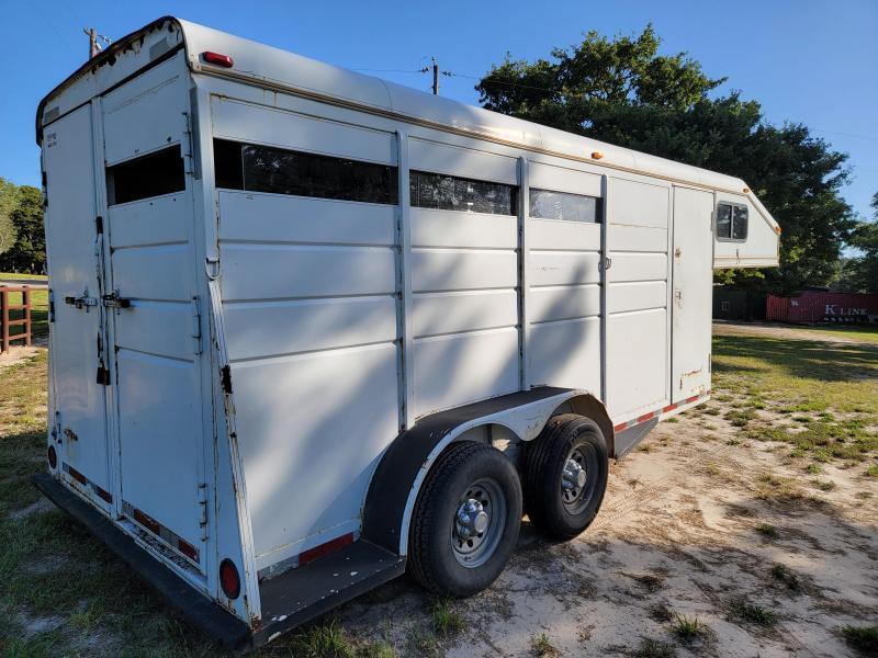 1995 CM Trailers 3 horse slant load Livestock Trailer