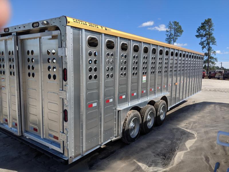 2020 Merrit Trailers 32' Livestock Trailer