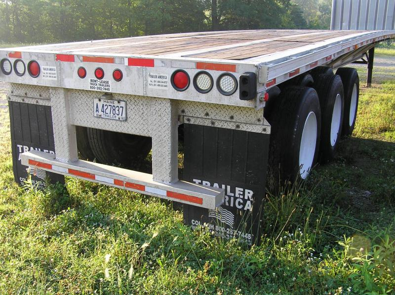 2004 Trans Spec tri-axle Flat Bed