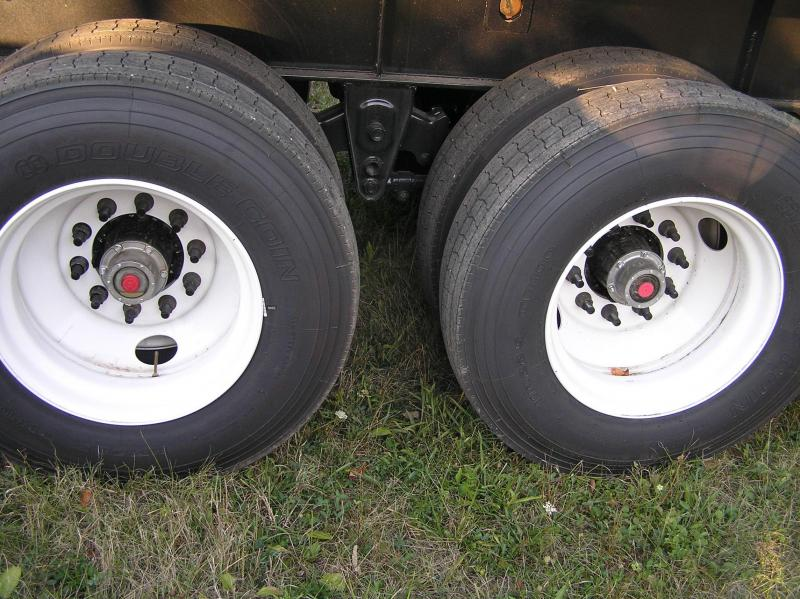2016 Pitts stretch flat trailer