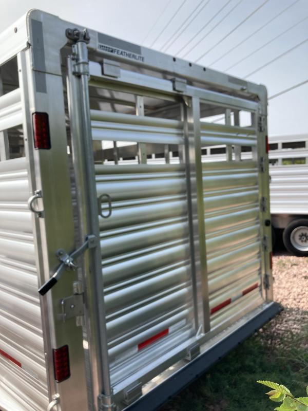 2021 Featherlite Featherlite 7 5 x 24 8127 Livestock Trailer