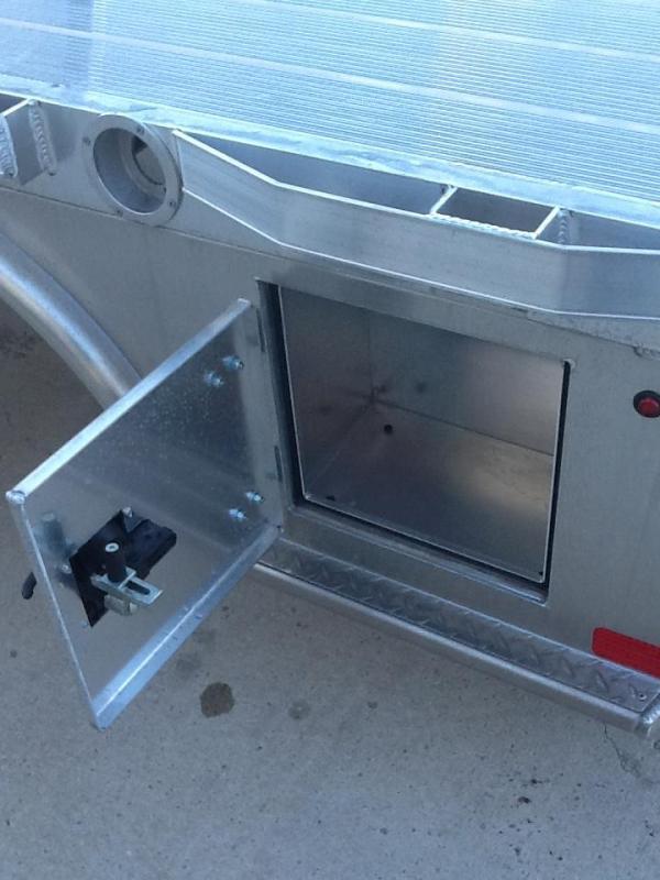 "CM ALSK 84""X84"" CTA 42""/42"" Aluminum Truck Bed Skirted 2 Boxes Per SIde"