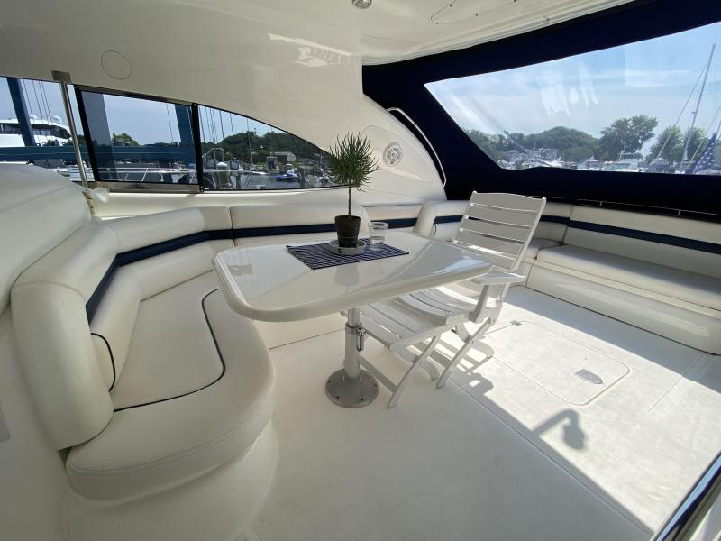 2000 Sunseeker PREDATOR 56 Express/Cruiser