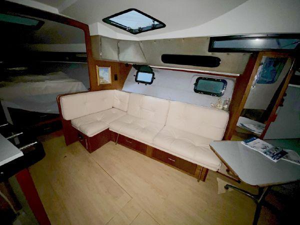 33 1987 Cruisers 3370 Esprit