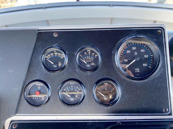 33 1992 Carver 33 Aft Cabin