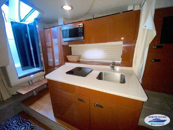 2010 Sea Ray 310 Sundancer Express/Cruiser