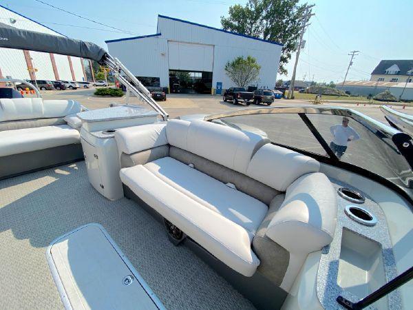 2020 Avalon Avalon 2585 Catalina Platinum EL Tritoon Pontoon Boat