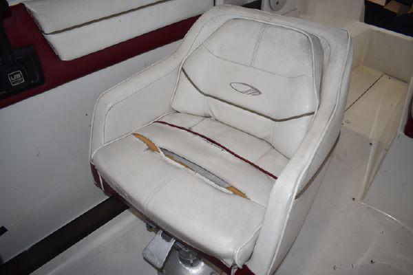 1992 Maxum 2500 SCR Cruiser (Power)