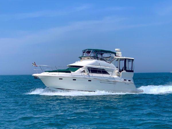 39 1999 Cruisers Yachts 3750 MotorYacht