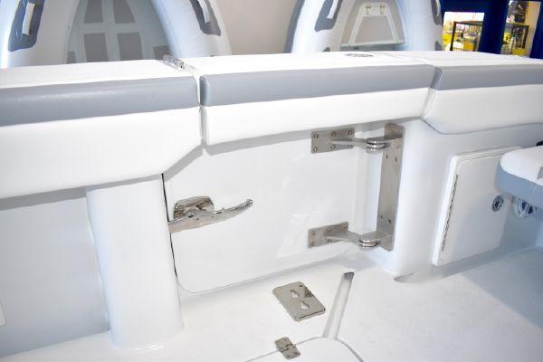 39 2020 Yellowfin 39 Center Console