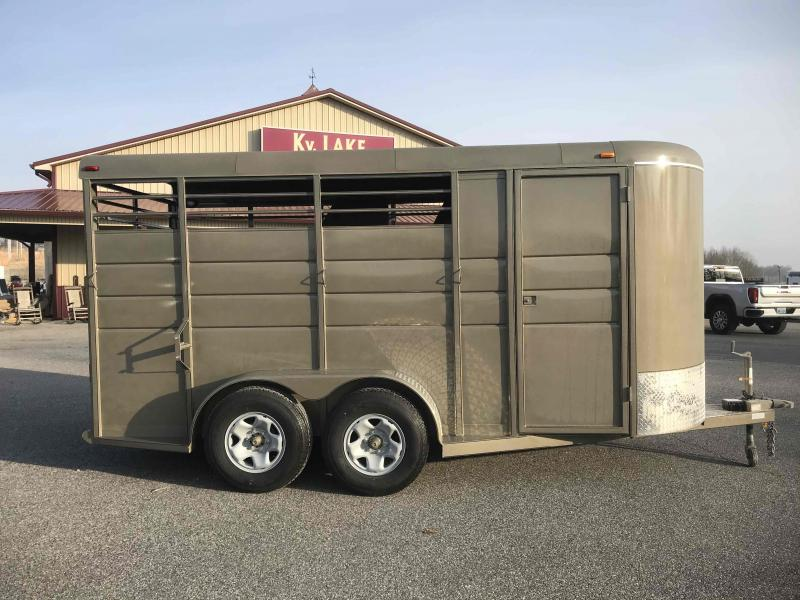 2021 Calico 16' 3H BP Horse Trailer