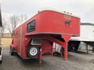 1995 Wil-Ro Red Livestock Trailer