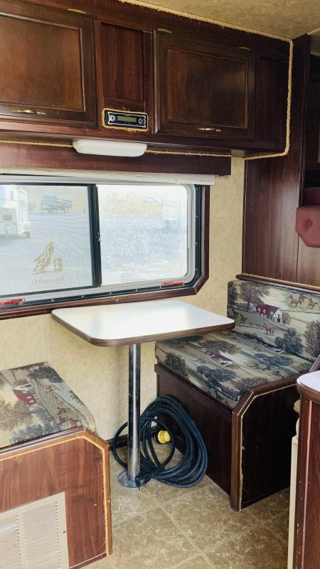 2006 Exiss  4H GN Horse Trailer