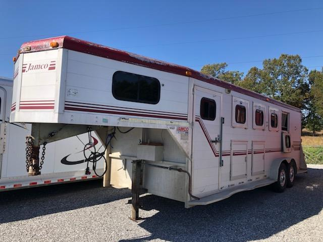 1995 Jamco 4H GN Horse Trailer