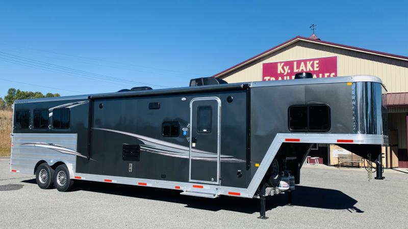 2021 Merhow 8314 RWS-FARMHOUSE Horse Trailer