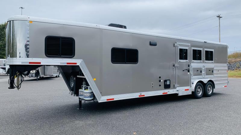 2021 Merhow 8311 RWS Horse Trailer