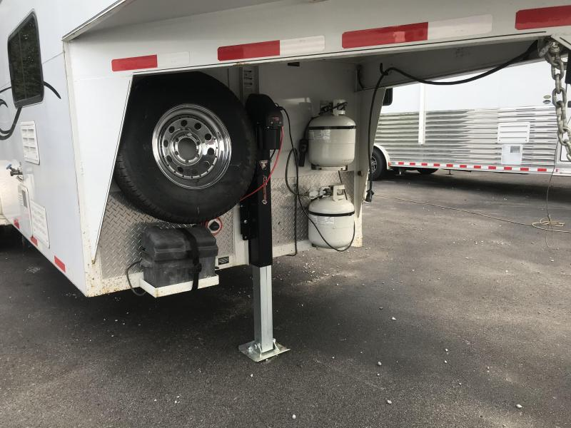 2006 Double D 3H GN Horse Trailer