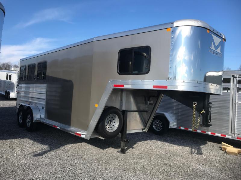 2021 Merhow Bronco 3H GN Slant Load Horse Trailer
