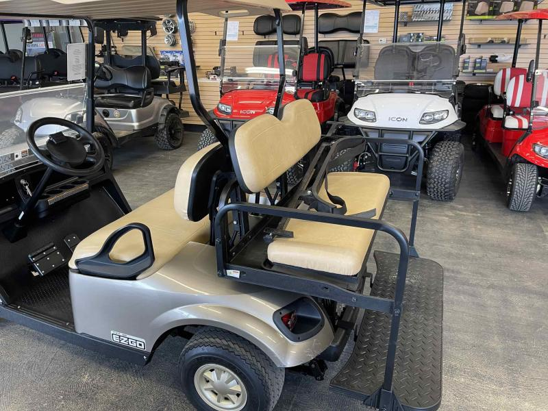 2017 E-Z-GO TXT Electric Golf Cart