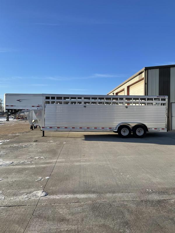 2021 Travalum 24' Aluminum Stock Livestock Trailer