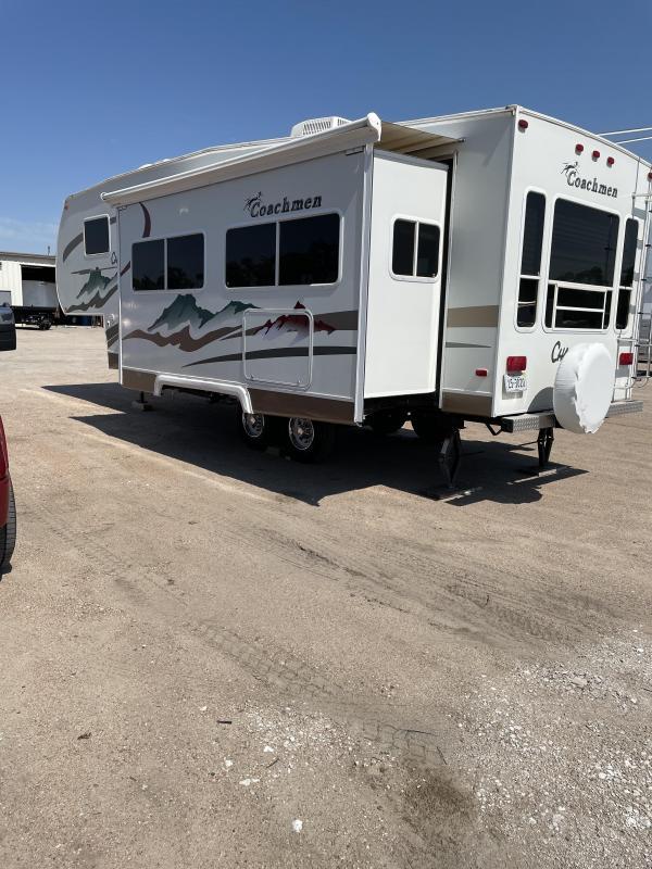 2005 Coachmen 276RLDS Enclosed Cargo Trailer
