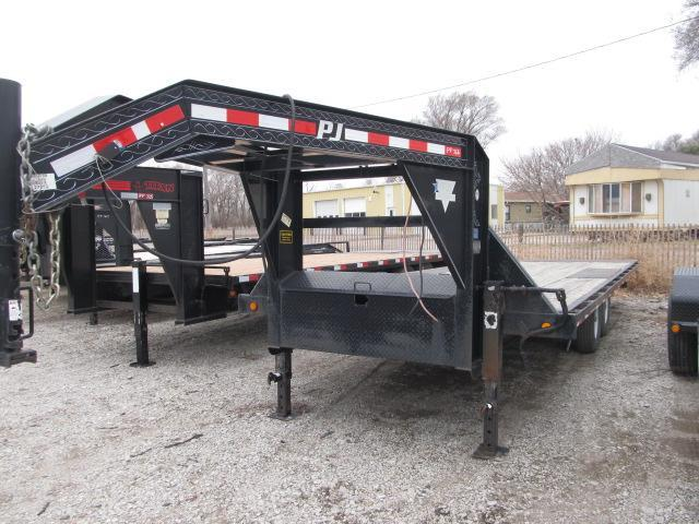 2009 PJ Trailers Deck over tilt Flatbed Trailer