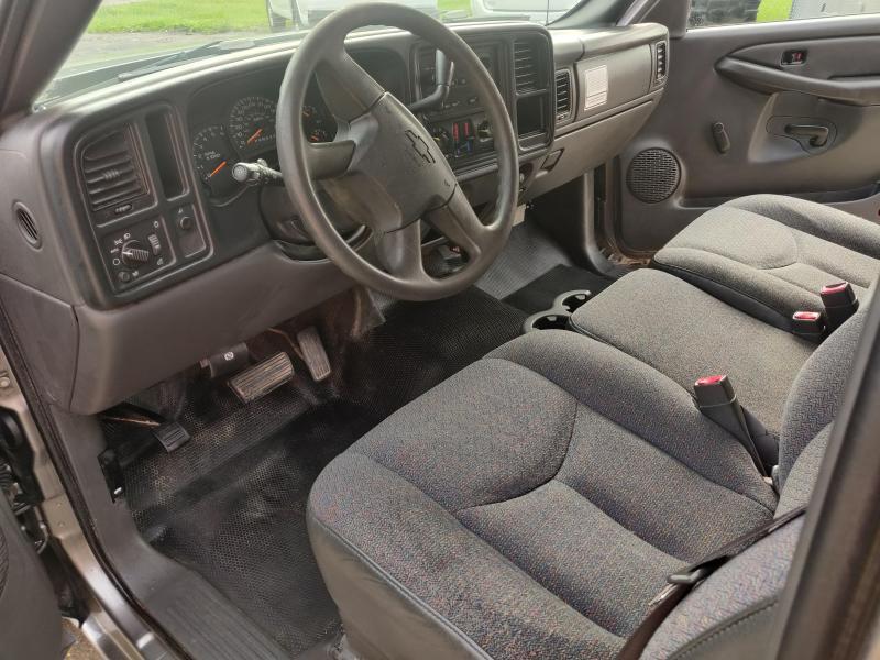2006 Chevrolet Silverado Reg Cab 2WD 4.3 V6 Pickup Truck