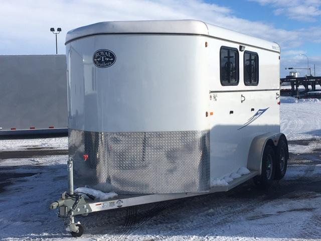 2018 C and B Quality Trailer Works RT2H-7K Horse Trailer
