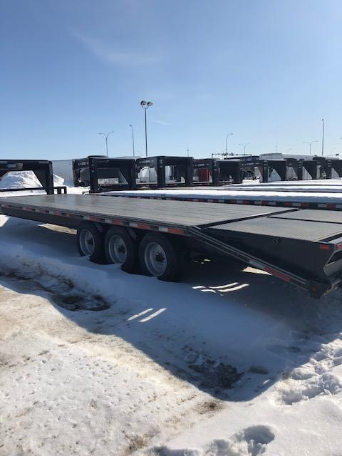 2020 Rainbow Trailers 0G8325M+5DT