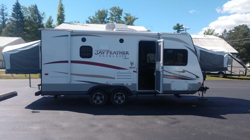 2014 Jayco Featherlite 20E Travel Trailer RV