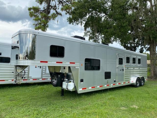 2022 Exiss Trailers 4 horse w/ 10' lq Horse Trailer