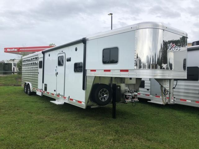 2022 Exiss Trailers 8' wide w/10.6'lq midtack and 14' stock area Livestock Trailer