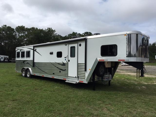 20 Merhow Trailers 2019 8 wide 3 horse w/16'lq slider rear kitchen Horse Trailer