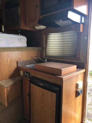 2005 Cherokee 8' wide 3 horse w/8 lq and gener Horse Trailer