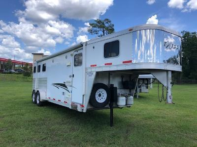 2011 Exiss Trailers 3 horse with 8' lq Horse Trailer