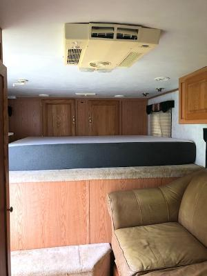 2001 Exiss Trailers 8' wide 4 horse w/10' lq Horse Trailer