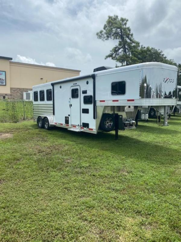 2022 Exiss Trailers 3 horse w/ 8' lq insulated w/equiflex floor Horse Trailer