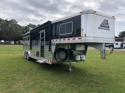 2018 Elite Trailers 8' wide 3 horse w/10.6' lq Horse Trailer