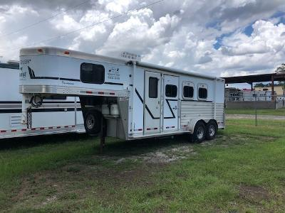 2002 Cherokee Trailers 3 horse w/6' lq Horse Trailer