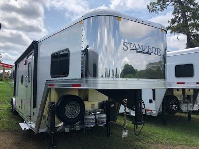 2021 Merhow Trailers 8' wide 3 horse w/12' lq and slide Horse Trailer