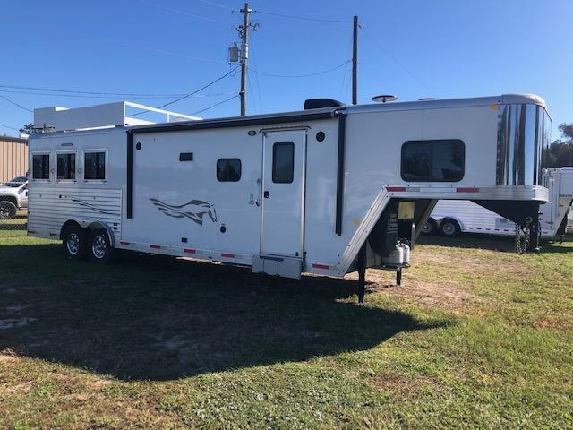 2017 Merhow Trailers 8' wide 3 horse w/12' lq slide and generator Horse Trailer