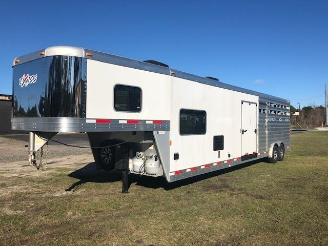 2021 Exiss Trailers 8' wide w/10' lq and midtack Livestock Trailer
