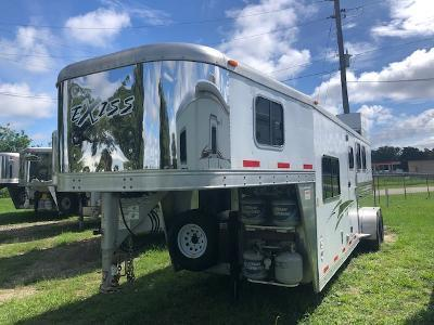 2012 Exiss Trailers 3 horse w/8' lq Horse Trailer