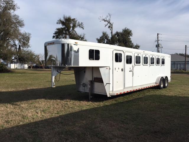 2001 Sooner 6 horse slant load gooseneck with dressing room Horse Trailer