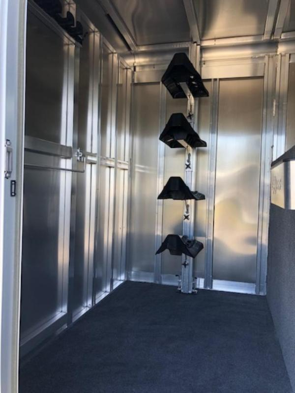 2020 Exiss Trailers 4 horse head to head Horse Trailer