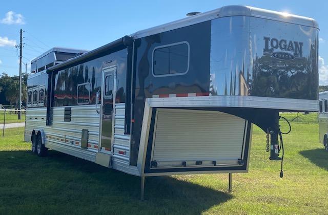2019 Logan Coach 8' wide 3 horse w/17' lq Horse Trailer