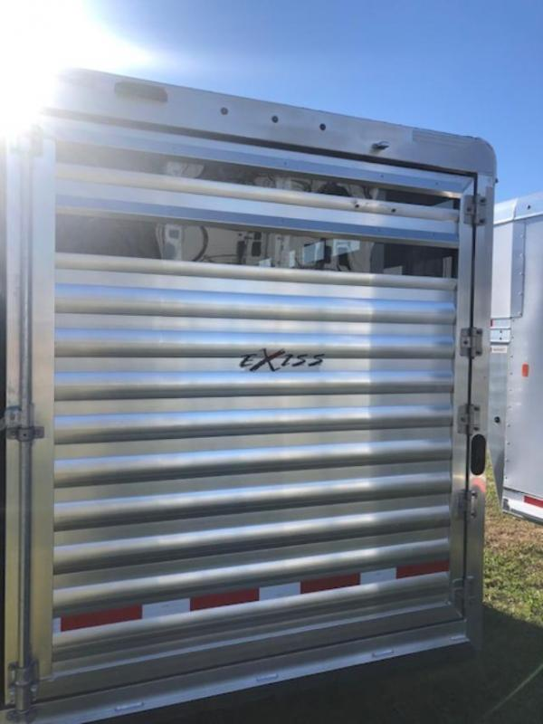 2022 Exiss Trailers 3 horse bumper pull with dressing room (model CXF Horse Trailer