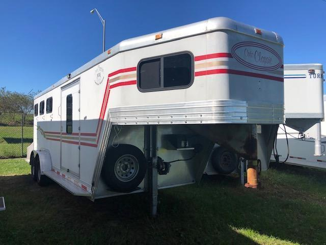 2001 Classic 3 horse insulated with dressing room Horse Trailer